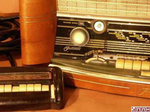 Радиоприемники в стиле ретро - для ценителей красоты.