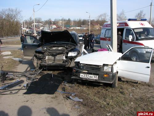 Все трое погибших в ДТП утром на улице Юбилейной - пожилые люди : Псковская Лента Новостей / ПЛН
