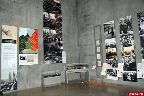 """holocaust museum 2 essay This essay will focus on the main controversies as opposed to the exhibits """"part of the overall experience of a holocaust museum ends by anesthetizing the."""