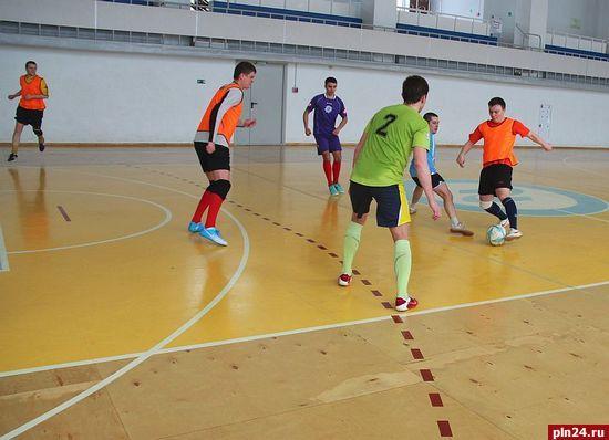 С 25 февраля по 5 марта в Пскове проходят тренировочные сборы команды МРСК Северо-Запада по мини-футболу.