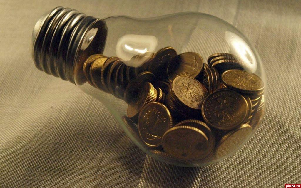 Сумма долгов за электроэнергию среди предприятий ЖКХ в Псковской области приблизилась к критической отметке