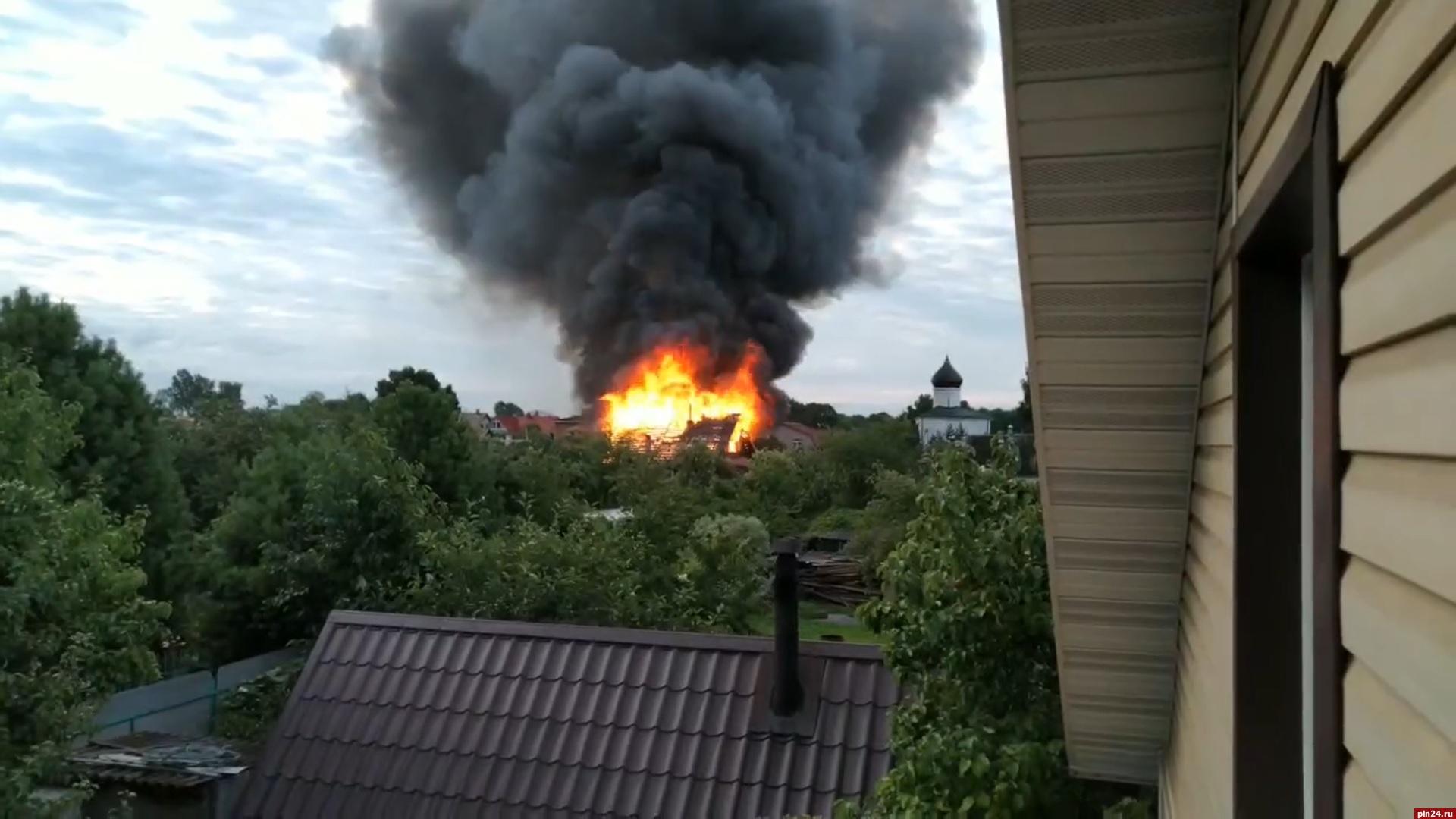 Новый изборск пожар фото