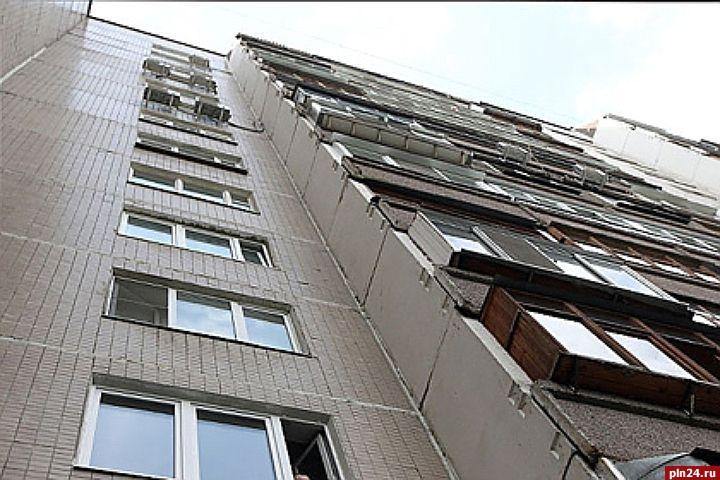 3-летний ребенок скончался после падения с балкона в великих.
