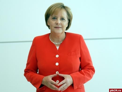 Меркель снова сообщила оготовности отменить санкции против РФ