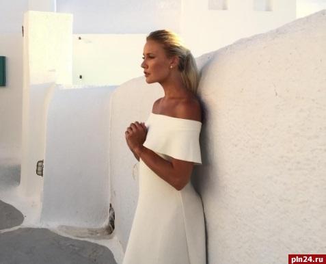 Звезда телешоу «Ревизорро» Лена Летучая вышла замуж влюбимом цвете