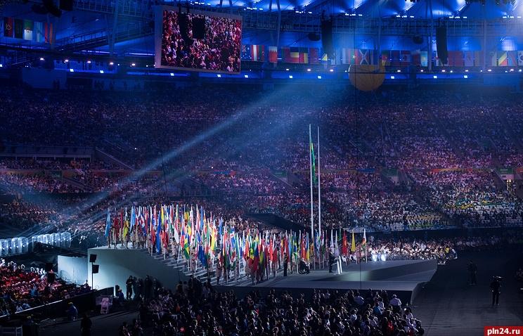 Русский флаг наоткрытии Паралимпиады— 2016 пронесли белорусские спортсмены