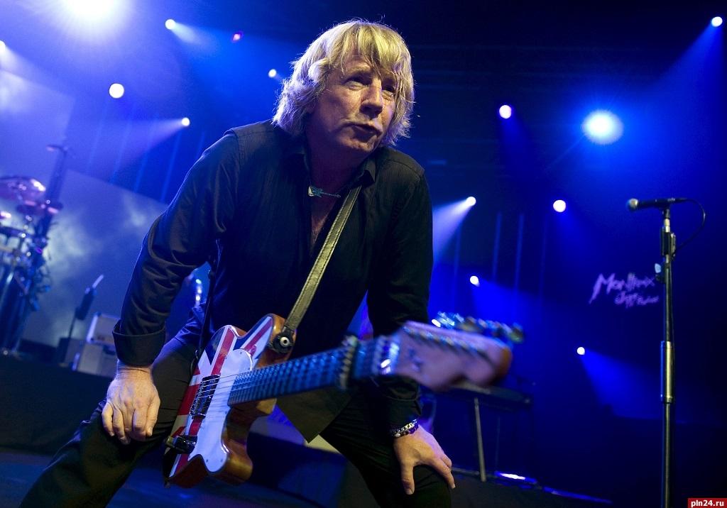 Скончался музыкант легендарной группы Status Quo