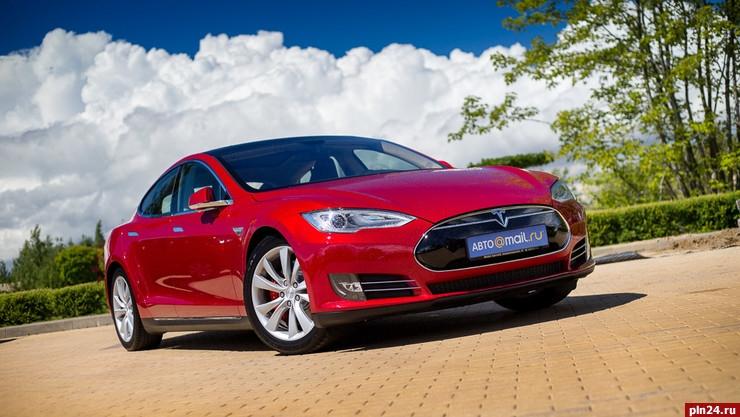 Tesla придет в РФ официально