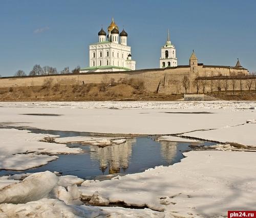 Везите своих женщин в Екатеринбург: уральская столица вошла в 10 самых популярных городов России для поездок на 8 марта