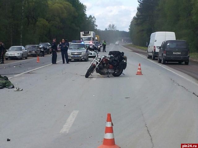 Столкновение мотоциклистов навыезде изЧерёхи: два человека погибли, один травмирован