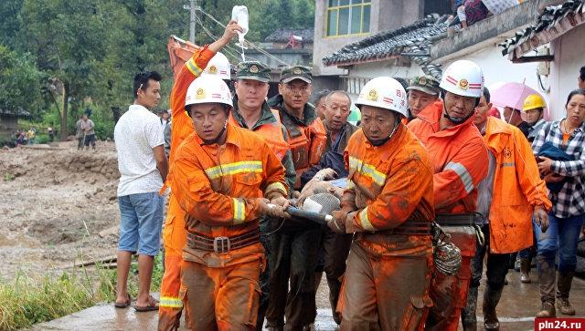 В КНР после землетрясения частично обвалился отель с2 тысячами постояльцев