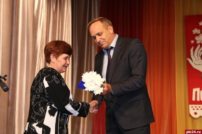 Обменялись позитивом: как вНовосибирске отметили День воспитателя