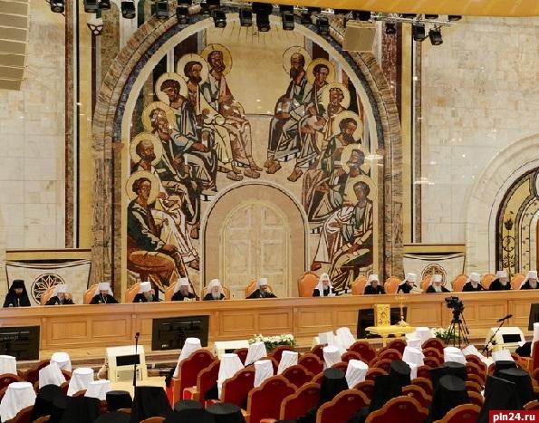 РПЦ одобрила браки между крёстными родителями