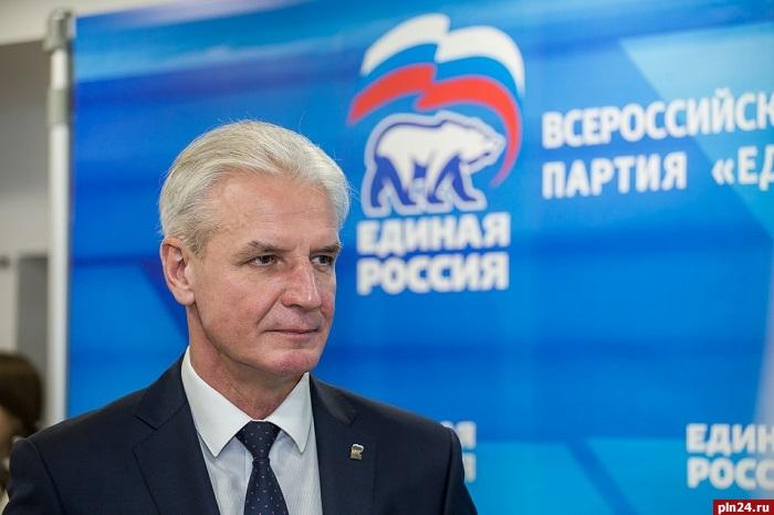 «Единая Россия» остановила членство впартии беглого депутата Заксобрания Александра Глушкова