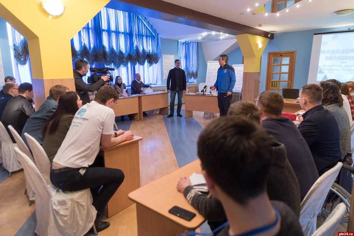Михаил Ведерников будет баллотироваться напост псковского губернатора