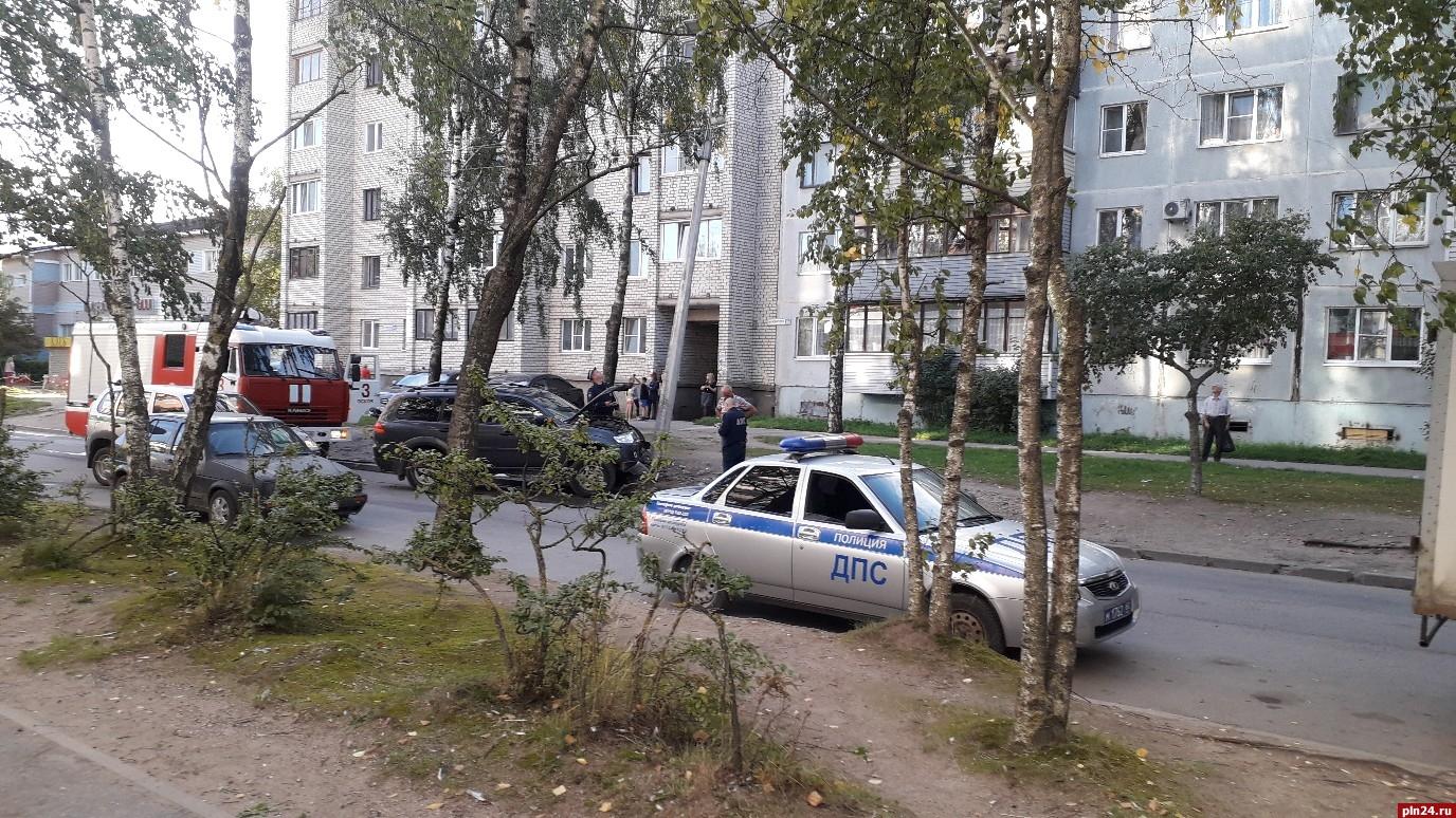 dushe-stoit-russkaya-pyan-na-ulitse-obtyagivayushih-shortah-porno