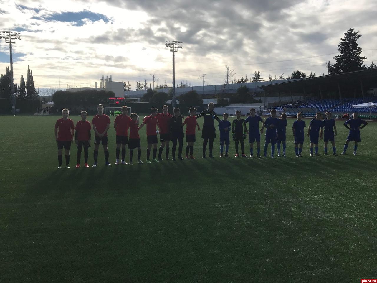 Псковская «Стрела» одержала две победы на суперфинале турнира «Кожаный мяч» в Сочи