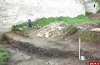 В Изборской крепости археологи откопали башню, каменную лестницу, колодец и рвы