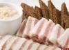 Главным блюдом на Евро-2012 выбрали сало с чесноком
