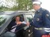 Стругокрасненские госавтоинспекторы дарили подарки водителям, не забывающим о своей безопасности