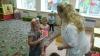 Волонтеры «Доброго Пскова» передали подарки в торошинские детсад и школу