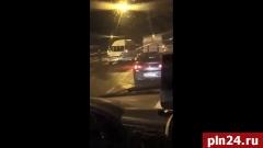 Появилось видео с массового ДТП с 14 машинами на дороге «Санкт-Петербург - Псков»