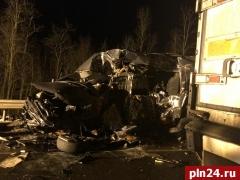 Опубликовано видео с места смертельного ДТП в Пустошкинском районе