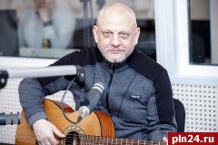 «Поэт и правдоруб» Николай Рассадин: Обросли жирком — пора делиться
