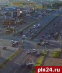 ДТП с участием автомобиля полиции в Пскове запечатлела видеокамера