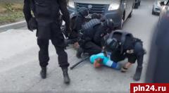 В Псковской области пресекли деятельность нелегальных оружейников. ВИДЕО