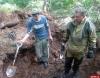 Вместе с поисковиками Иван Цецерский поднял останки 26 бойцов, освобождавших Псков