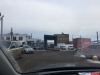 Припаркованные машины сотрудников «Великолукского мясокомбината» затрудняют пешеходам проход по улице Малышева