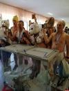 Барнаульские «моржи» пришли на выборы полуголыми и устроили заплыв в честь президента России