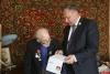 9 мая Иван Цецерский поздравил двух псковских ветеранов с днем рождения