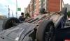 В Пскове на перекрестке Коммунальной и Юбилейной перевернулся автомобиль - ФОТО