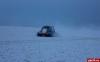 Четыре рыбака терпели бедствие на Чудском озере из-за вышедшего из строя самодельного аэробота