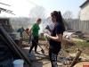Молодые профактивисты Великих Лук помогли пожилым людям навести порядок во дворах их домов