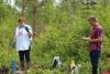 Специалисты гидрохимической лаборатории Псковского облсовпрофа взяли пробы воды из наблюдательных скважин Порховского полигона ТКО