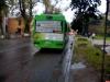 В Пскове автобус ехал с зажатыми в двери женщиной и 4-летней девочкой