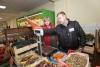 Народные контролеры проверили весы в магазинах Великих Лук