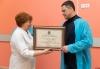 Михаил Ведерников вручил почетную грамоту коллективу регионального «Центра СПИД»
