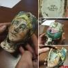 Разбитую фарфоровую чашку с женским лицом нашли псковские археологи