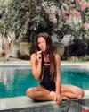 Идеальная девушка - пользователи сети оценили российскую певицу Нюшу в купальнике