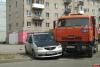 КАМАЗ и «Мазда» столкнулись на улице Поземского в Пскове. ФОТО