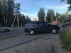 Водитель легкового автомобиля снес ограждение и вылетел на тротуар в Пскове