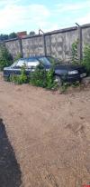 Фотофакт: В Гаражном проезде новую дорогу проложили прямо вокруг брошенного автомобиля