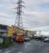 Мусоровоз и «Рено» столкнулись на круговом перекрестке в Пскове. ФОТО