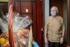 Александр Козловский поздравил ветерана с 92-летием и пообещал помочь с ремонтом