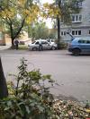 В Пскове «КИА» отбросило на дерево после столкновения с «Фольксвагеном»