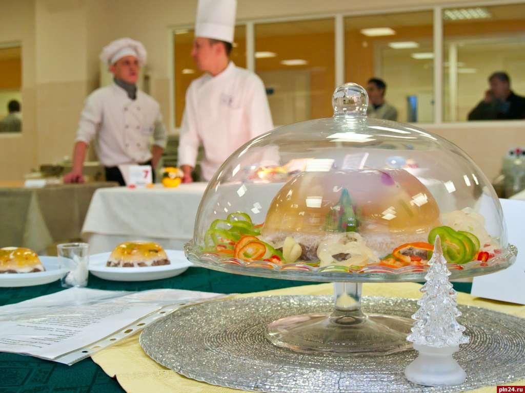 Фото конкурсных блюд поваров сопровожден многочисленными